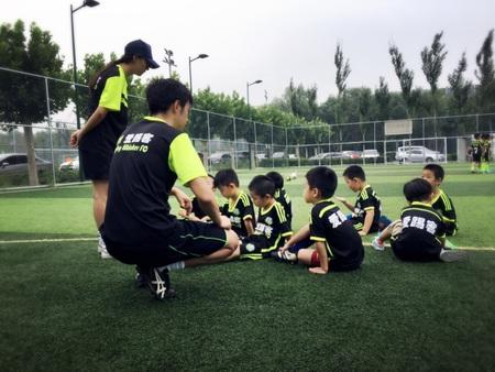 爱踢客青少年足球俱乐部